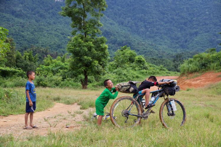 Bikepacking Laos